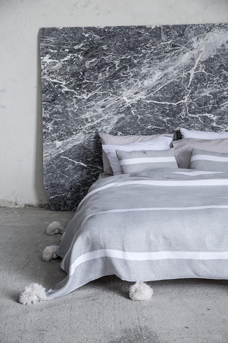 Κουβέρτα 240×250 με Pom Pom – Nima Gentian